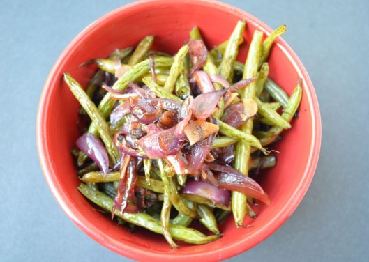 Hony-balsamic roasted green beans